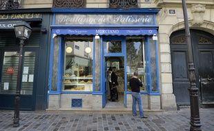 Anne Hidalgo lance un plan pour soutenir le petit commerce parisien.