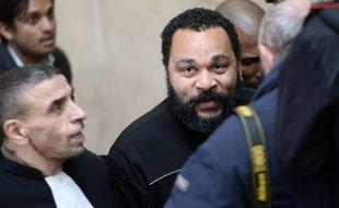 Dieudonné, à son arrivée au tribunal correctionnel de Paris, le 28 janvier 2015.