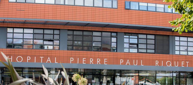 Devant le CHU de Purpan, à Toulouse. Illustration.