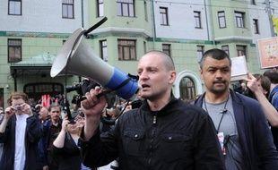 La police russe a interpellé mardi une vingtaine de militants qui protestaient contre la nouvelle présidence de Vladimir Poutine, après avoir réussi a effectuer un sit-in dans la nuit de lundi à mardi près du Kremlin à Moscou.