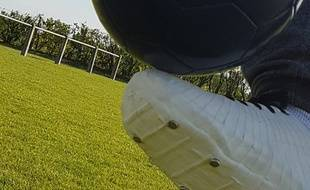 La chaussure de foot à semelle rétractable (prototype).