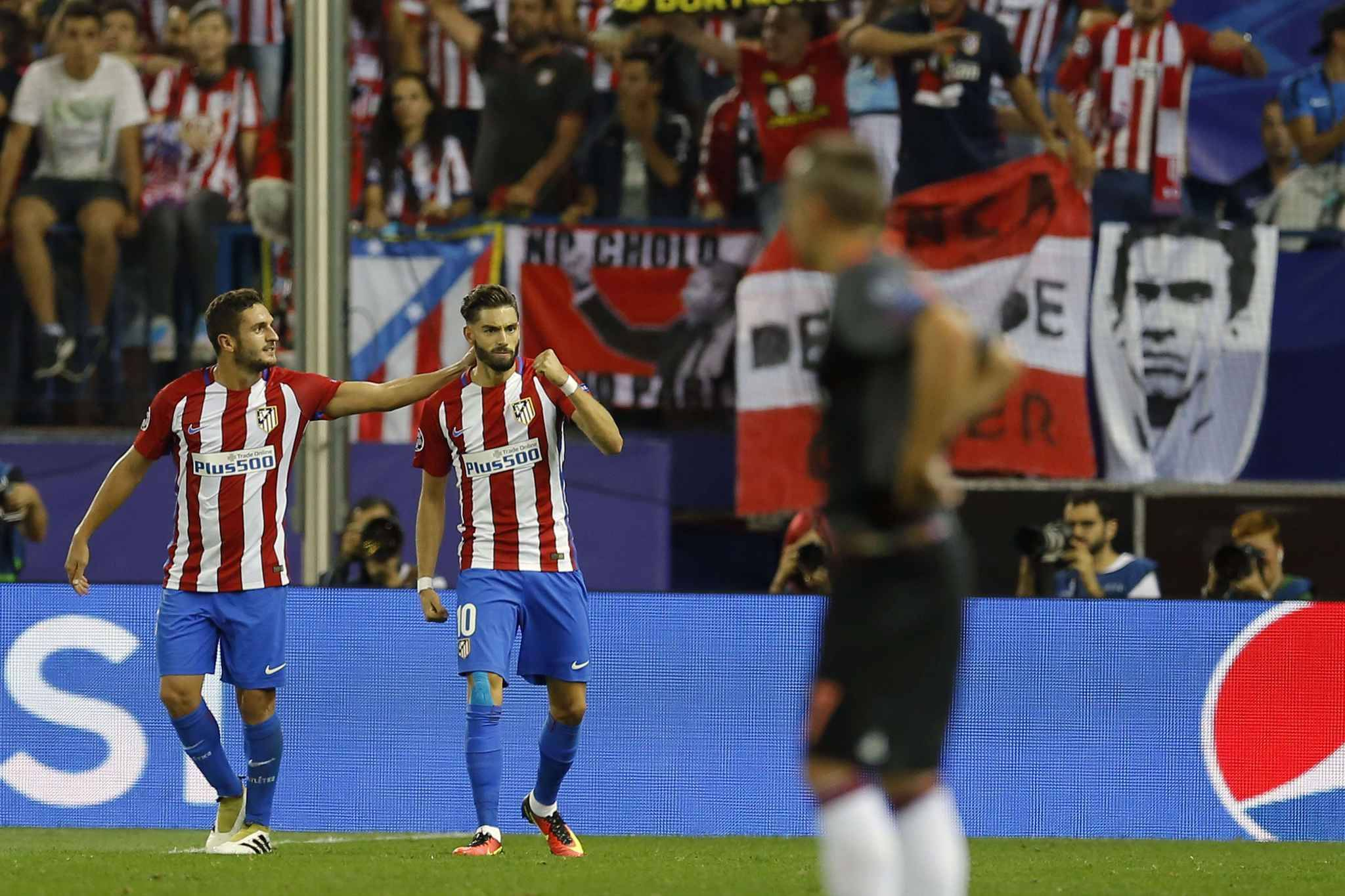 sport football  video ligue champions carrasco heros enorme atletico bayern grizou rate peno