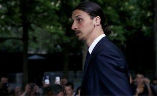 Zlatan Ibrahimovic à son arrivée aux Trophées de l'UNFP, le 8 mai 2016 à Paris.