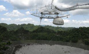 Des scènes de films avaient été tournées autour du télescope géant d'Arecibo.