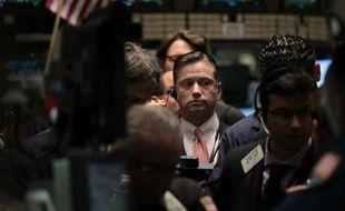 La Bourse de New York a fini en nette baisse mardi, plombée par les tensions géopolitiques entre les deux Corées et l'incertitude persistante sur les finances irlandaises: le Dow Jones a perdu 1,25% et le Nasdaq 1,44%, selon des chiffres provisoires.