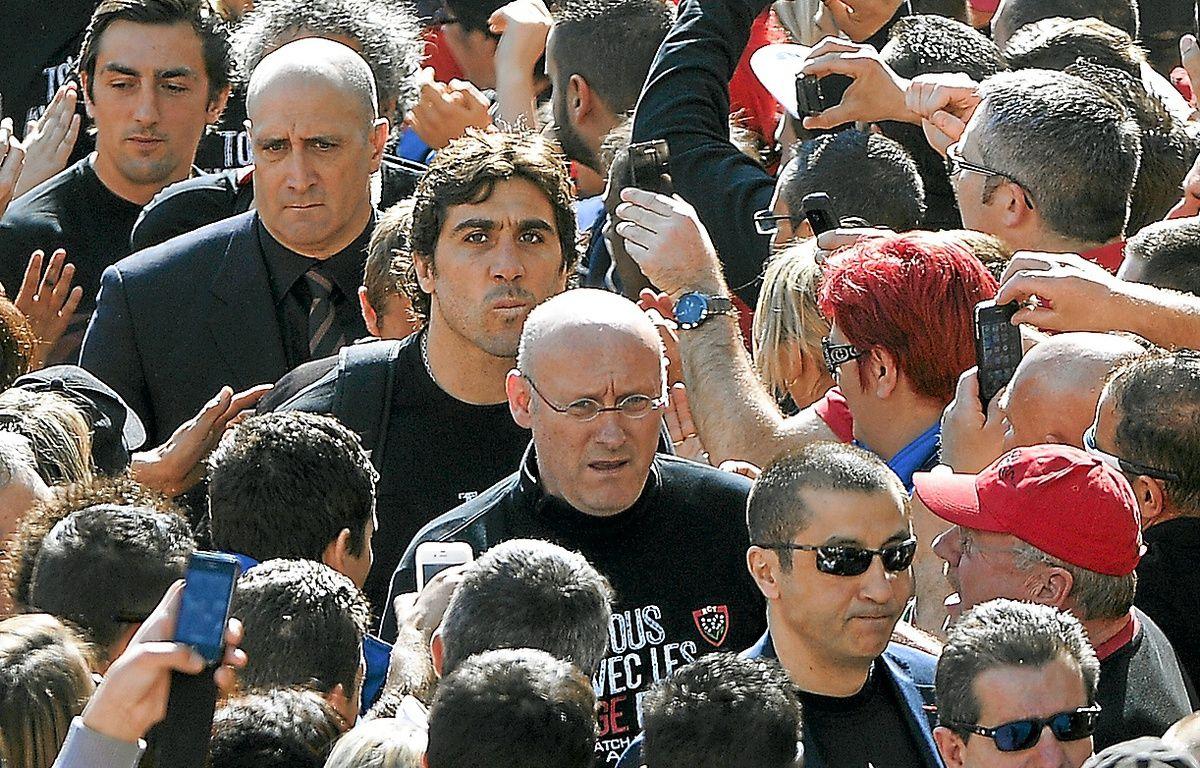 Bernard Laporte (au centre) dit ne pas craindre une éventuelle suspension. – G. Julien/AFP