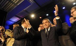 Dernier grand meeting de Xavier Bertrand pour les elections regionales Nord Pas de Calais Picardie a Valenciennes dans le nord. Le 10 decembre 2015. /ALCALAYSARAH_064920/Credit:SARAH ALCALAY/SIPA/1512110656