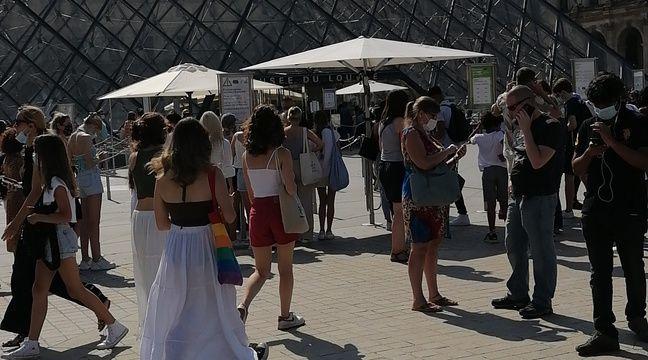 Pass sanitaire : « Si tu ne te vaccines pas, c'est normal que tu n'ailles pas au musée »… Les visiteurs retrouvent le Louvre