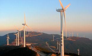A Dali, dans la province du Yunnan, une rangée d'éoliennes subvient aux besoins énergétiques de 30000 personnes.