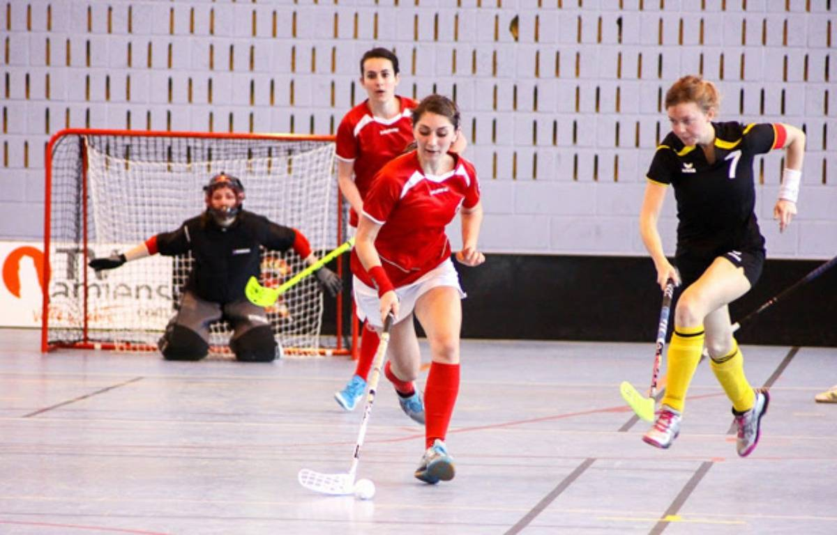 Illustration floorball. – SPORT & FUN PHOTOGRAPHIE / JOSSELIN DEBRAUX