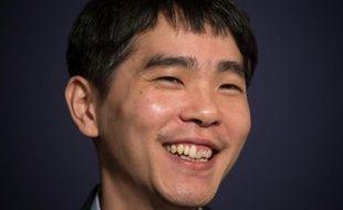 Le joueur de Go, Lee Se-Dol lors de son match contre un ordinateur développé par Google, à Séoul, le 13 mars 2016