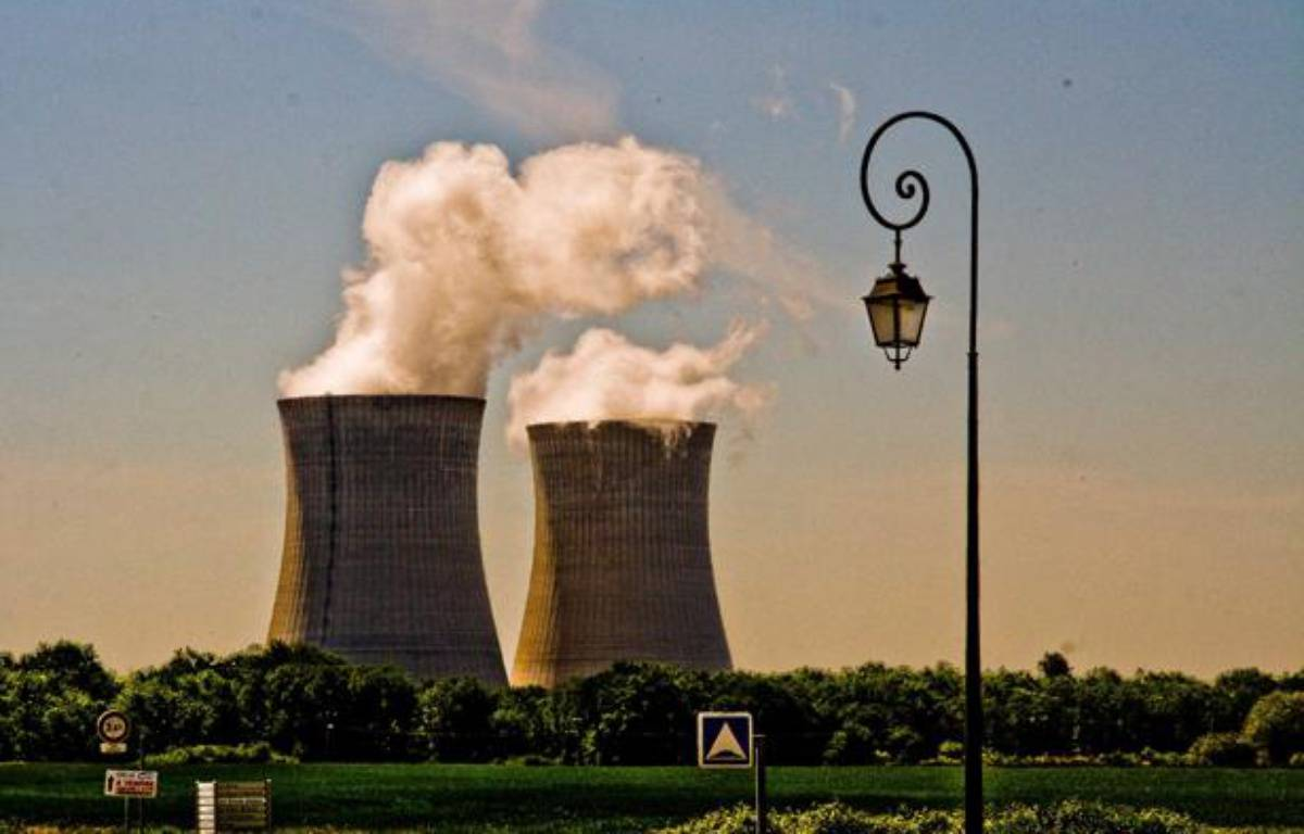 Centrale nucleaire de Dampierre en Burly – GILE MICHEL/SIPA