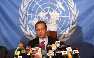 L'émissaire de l'ONU au Yémen, Jamal Benomar, a entamé samedi une nouvelle mission à Sanaa, axée sur les préparatifs en cours pour un dialogue national, qui reste tributaire d'une unification de l'armée.