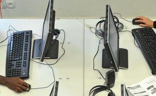 Onze ordinateurs de l'école d'un village isolé de Moselle ont été volés. Illustration