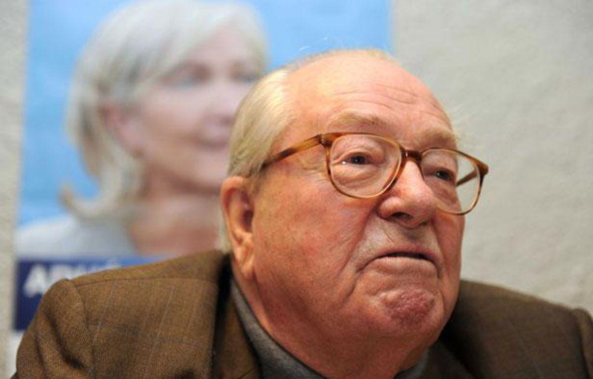 Jean-Marie Le Pen, président d'honneur du Front national, à Haute- Goulaine, près de Nantes (Loire-Atlantique), le 22janvier 2012. – S. SALOM-GOMIS/SIPA