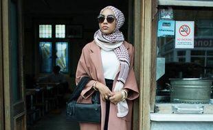 En septembre 2015, la marque suédoise H&M a mis en scène différents styles vestimentaires, dont celui d'une femme voilée, pour lancer sa deuxième ligne recyclée