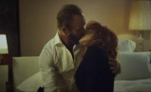 Mylène Farmer et Sting dans le clip très sexy de Bruno Aveillan.