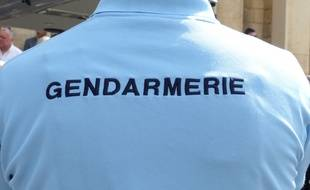 Illustration de gendarmes.
