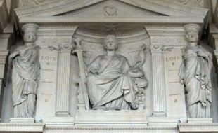 """Une femme de 42 ans, qui était accusée d'avoir attenté à la vie de ses trois enfants en leur administrant de la morphine, a été acquittée jeudi par la cour d'assises des Bouches-du-Rhône """"au bénéfice du doute""""."""