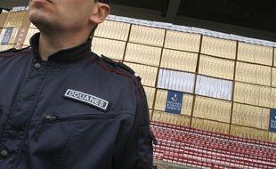 Illustration saisie de cigarettes de contrebande par la douane.