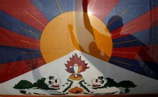 Des Tibétains manifestent à la frontière indo-chinoise, le 21 mars 2008