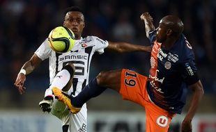Le défenseur rennais Edson Mexer au duel avec Souleymane Camara, le 7 mai 2016 à Montpellier.