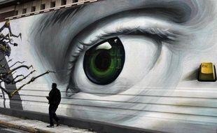 """La commission du Parlement européen enquêtant sur le rôle de la troïka (UE,BCE et FMI) dans les pays en crise a appelé jeudi à plus de """"transparence"""" et de """"démocratie"""" en Europe, à l'occasion d'une visite à Athènes."""