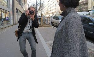 Julien photographie une habitante du 20e arrondissement