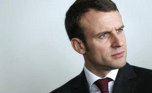 Le ministre de l'Economie Emmanuel Macron lors de la visite d'un incubateur d'entreprises le 12 mars 2015