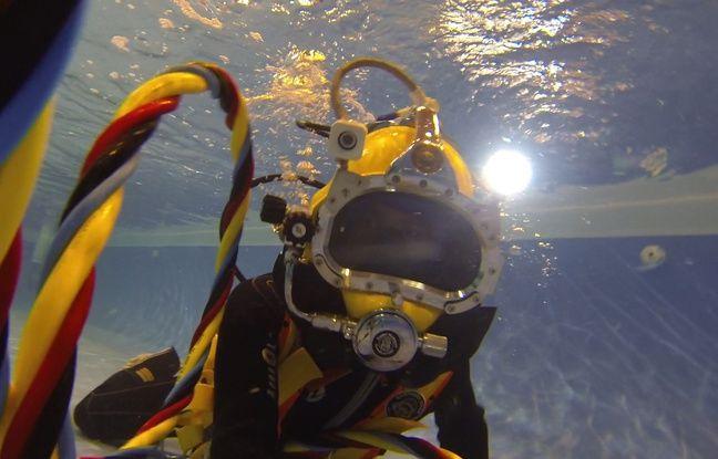 Plongée en scaphandre lors du salon de la plongée à Paris