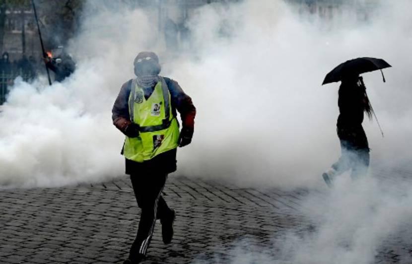 Un an des « gilets jaunes » : Un week-end d'anniversaire éclipsé par les violences