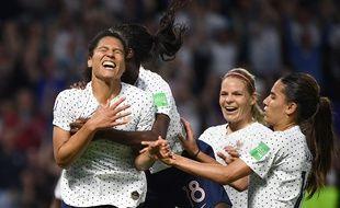 Malgré l'élimination en quart, les Bleues auront tout de même vécu de supers moments de joie.