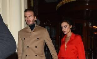 David Beckham and Victoria Beckham leave The Connaught hotel after having dinner London UK 14 December 2017.  Photo: Hewitt/SilverHub  020 8004 5359 sales@silverhubmedia.com//SILVERHUBMEDIA_2097279/Credit:SilverHub/SIPA/1712150753