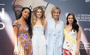 Aisha Dee (Kat Edison), Meghann Fahy (Sutton Brady), Melora Hardin (Jacqueline Carlyle) et Katie Stevens (Jane Sloan) sur le tapis rouge du Festival de Télévision de Monte-Carlo.