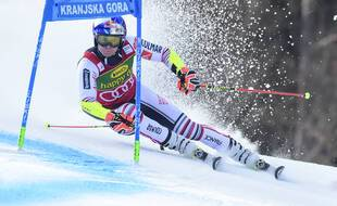 Alexis Pinturault vise le gros globe de cristal lors des finales du ski alpin à Lenzerheide, à partir du 18 mars 2021.