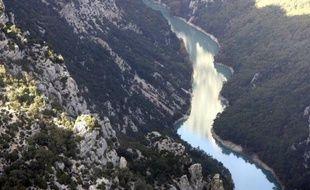L'escaladeur français Patrick Edlinger, auteur de nombreuses ascensions en solitaire est décédé à son domicile à l'âge de 52 ans, a indiqué vendredi soir le site du Dauphiné Libéré et celui des Rencontres du cinéma de montagne de Grenoble.
