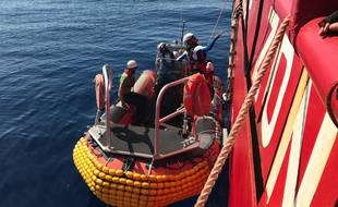L'Ocean Viking remplace l'Aquarius en mer Méditerranée.