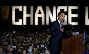 Le temps presse désormais pour les deux candidats à la Maison Blanche qui devaient passer la dernière semaine de campagne dans une poignée d'Etats clefs où se jouera la présidentielle américaine, et le démocrate Barack Obama a prévu de prononcer dès lundi son plaidoyer final.