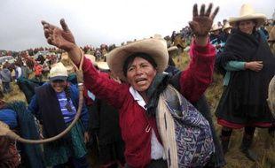 La région de Cajamarca, dans le nord andin du Pérou, a été en grande partie paralysée jeudi, avec des routes bloquées, des commerces et des écoles fermées, par une grève régionale contre un projet minier d'or et de cuivre contrôlé par le géant américain Newmont.