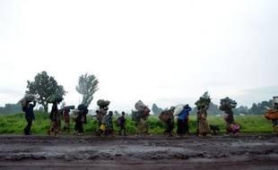 L'armée de RDC a intensifié son offensive dans la province instable du Nord-Kivu (est) contre des mutins ex-rebelles qu'elle combat depuis près de deux semaines et qui résistent malgré un premier bombardement aérien de leurs positions samedi