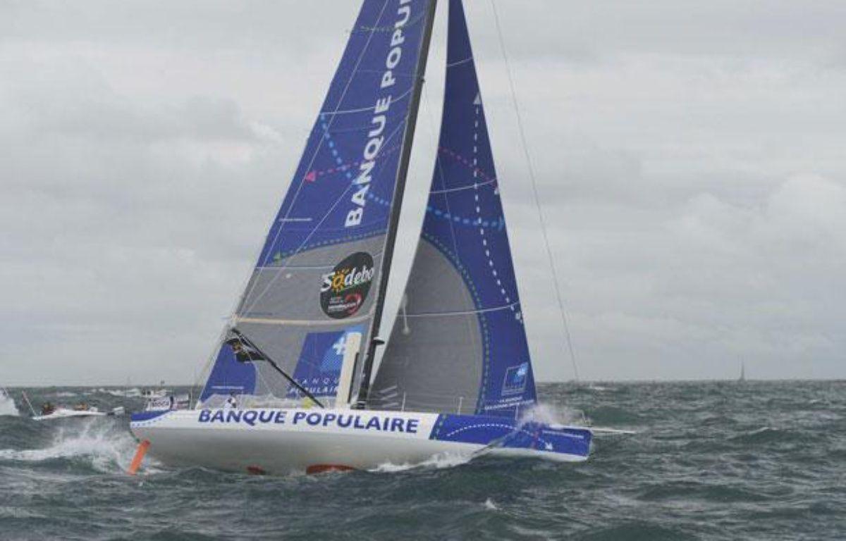 Le bateau d'Armel Le Cléac'h au large des Sables d'Olonne, le 10 novembre 2012. – A.Zimeray/SIPA