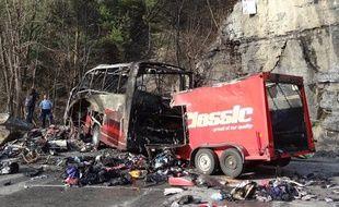 Accident de car près de L'Alpe-d'Huez (Isère) le 16 avril 2013.