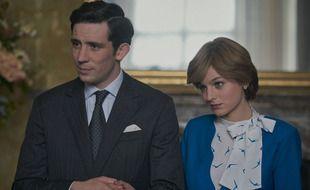 Josh O'Connor et Emma Corrin dans les rôles du prince Charles et de Lady Diana dans la série «The Crown» sur NEtflix