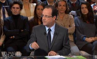 Capture d'écran de François Hollande dans l'émission «Des paroles et des actes», le 15 mars 2012 sur France 2.