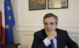 Francois Fillon dans son bureau de l'assemblee