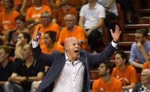 Éric Bartecheky devient le nouvel entraîneur des basketteurs du BCM