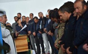 Des centaines de personnes étaient présentes, le 12 juin 2019, aux obsèques du petit garçon tué par un chauffard qui roulait sans permis, à Lorient le 9 juin 2019.