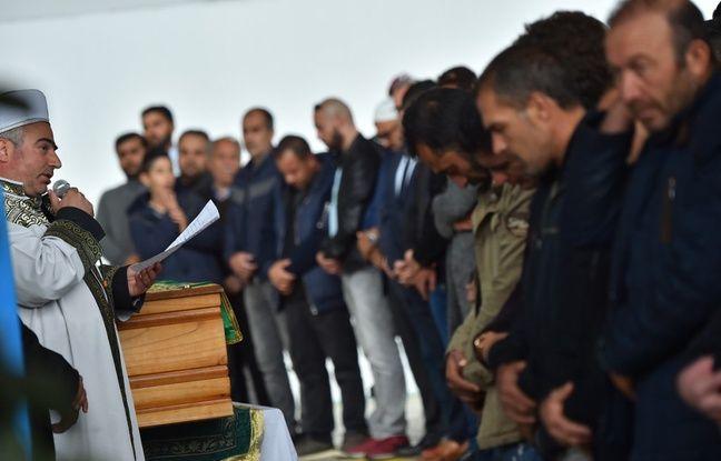 Enfants fauchés à Lorient: Des centaines de personnes aux obsèques du petit garçon décédé