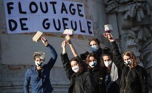 Manifestantes contre la loi de « sécurité globale » le 28 novembre à Paris