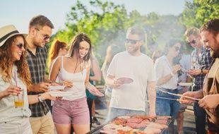 D'après un sondage BVA pour la marque Weber, trois quarts des Français possèdent un barbecue ou une plancha.